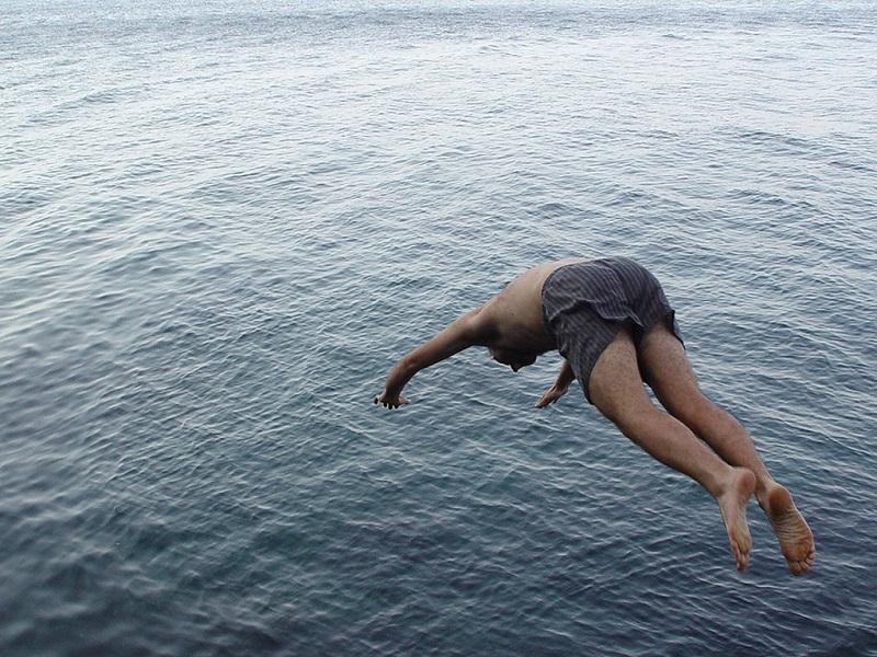 mediterraneo-forward-dive-1545724