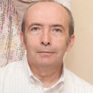Go to the profile of Jose María Requena