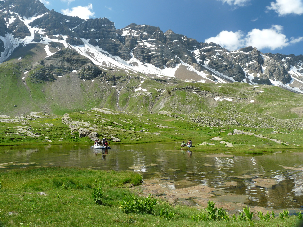 New insights on lake sediment DNA from the catchment: importance of taphonomic and analytical issues on the record quality