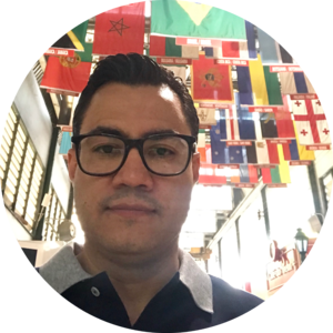 Go to the profile of Mauricio