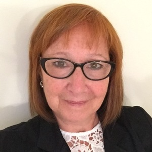 Go to the profile of Hilda Rozenberg