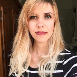 Go to the profile of Andreia Gazola