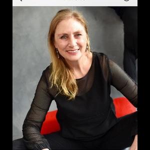 Go to the profile of Elaine Springer